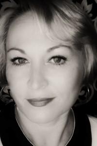 Suki Miles award winning makeup artist